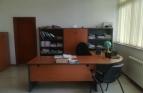 Обзаведен офис под наем в Административна сграда