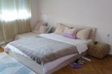 Обзаведен апартамент с три спални в централна градска част